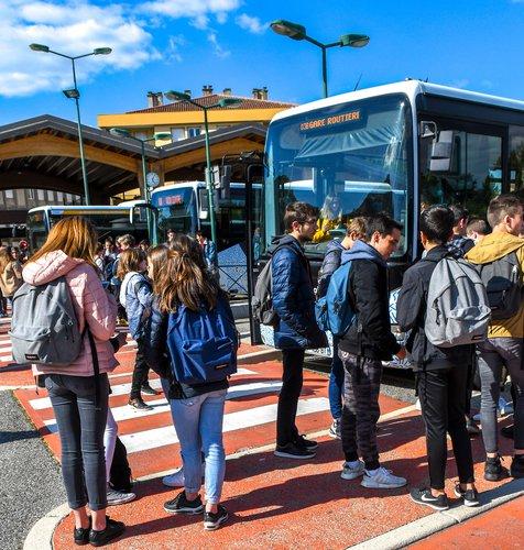 P Gardin transport scolaire ARCHE Agglo.jpg