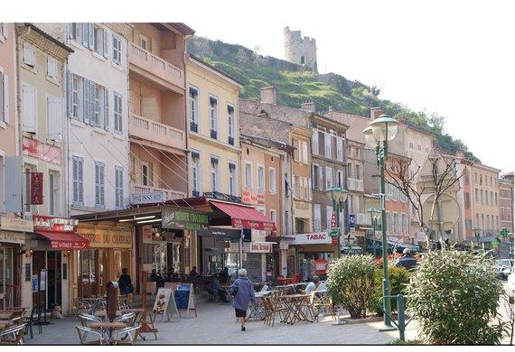 7 -commerce Découvrir Tournon-sur-Rhône(©ville tournon).jpg